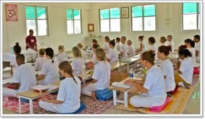 Arhanta Yoga ashram india teacher training